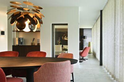 SKY LT pronkt in gloednieuwe luxe villa in Limburg!